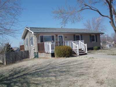 Wakefield Single Family Home For Sale: 709 Juniper
