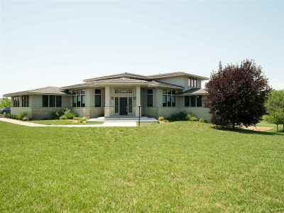 Wamego Single Family Home For Sale: 15879 Stonington