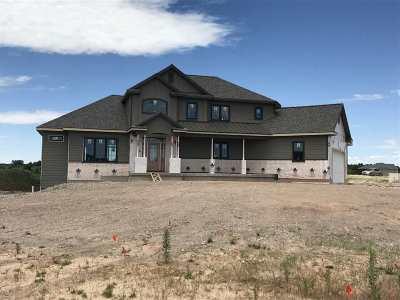 Manhattan Single Family Home For Sale: 4513 Grande Bluffs