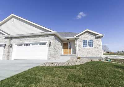 Wamego Single Family Home For Sale: 312 Simmer