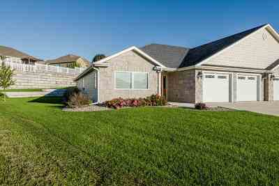Wamego Single Family Home For Sale: 330 Simmer