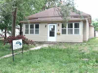 Single Family Home For Sale: 121 E 1st