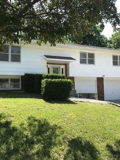 Single Family Home For Sale: 240 Robin Hood