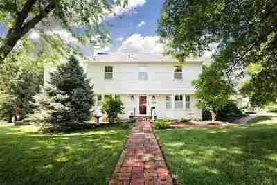 Junction City Single Family Home For Sale: 239 W Ash