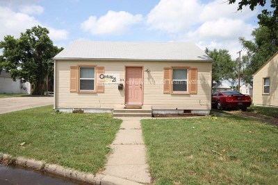 Junction City Single Family Home For Sale: 324 W Home