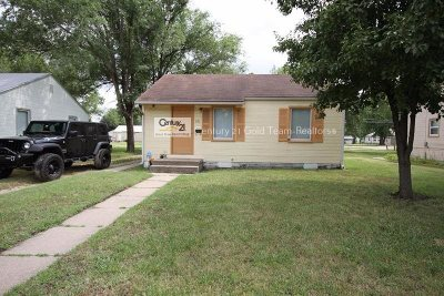 Junction City Single Family Home For Sale: 321 W 18th