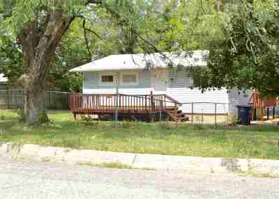 Single Family Home For Sale: 143 Belmont