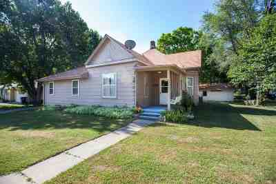 Wabaunsee County Single Family Home For Sale: 220 E 8th