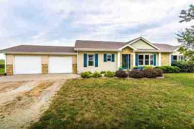Wamego Single Family Home For Sale: 4863 Wildridge