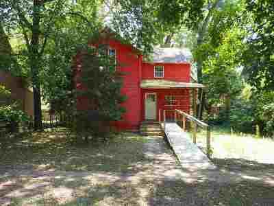 Manhattan Single Family Home For Sale: 823 Colorado