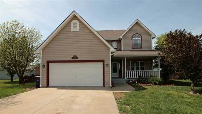Manhattan Single Family Home For Sale: 3806 Fox Ridge