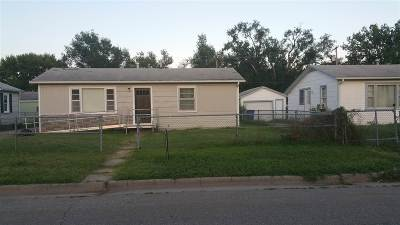 Junction City Single Family Home For Sale: 1417 Dean