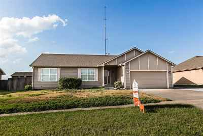 Single Family Home For Sale: 2716 Valley
