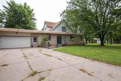Clay Center Single Family Home For Sale: 629 Arthur