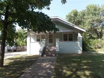 Clay Center Single Family Home For Sale: 927 Court Street