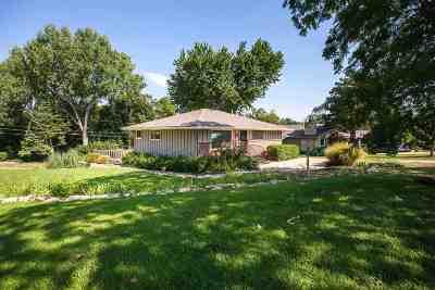 Manhattan Single Family Home For Sale: 2920 Princeton Pl
