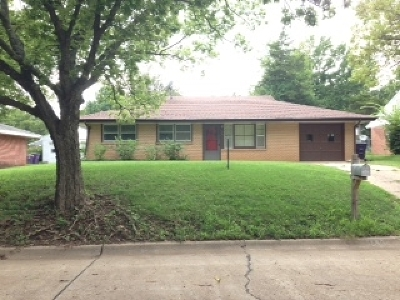 Manhattan Single Family Home For Sale: 1525 Pipher
