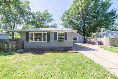 Manhattan KS Single Family Home For Sale: $125,000