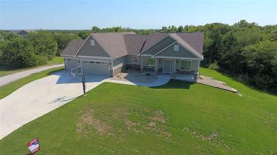 Wamego Single Family Home For Sale: 15691 Stonington