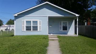 Single Family Home For Sale: 434 W Ash