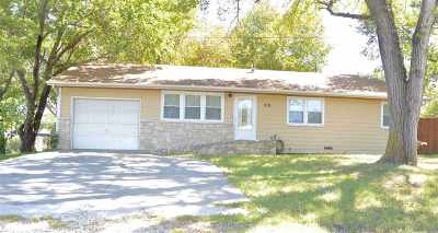 Single Family Home For Sale: 219 State