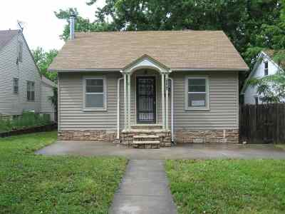 Single Family Home For Sale: 232 W Chestnut