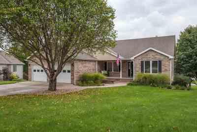 Wamego Single Family Home For Sale: 113 Oakhill