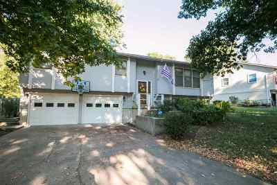 Manhattan Single Family Home For Sale: 1417 Givens Rd.