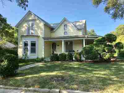Clay Center Single Family Home For Sale: 423 Huntress