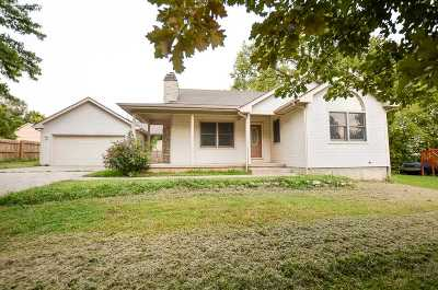 Wakefield Single Family Home For Sale: 606 Cedar