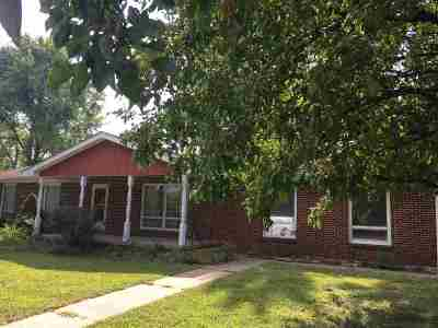 Wamego Single Family Home For Sale: 411 Redwood Drive