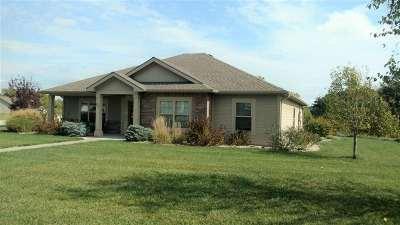 Manhattan Single Family Home For Sale: 901 Highland Ridge