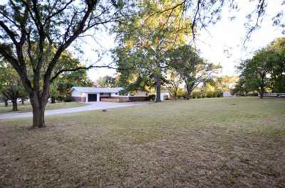 Junction City Single Family Home For Sale: 919 Meadow
