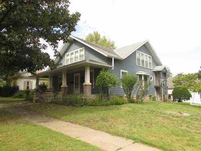 Herington Single Family Home For Sale: 120 E Walnut Street