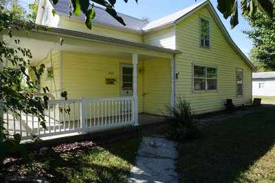 Single Family Home For Sale: 831 W 9th Street