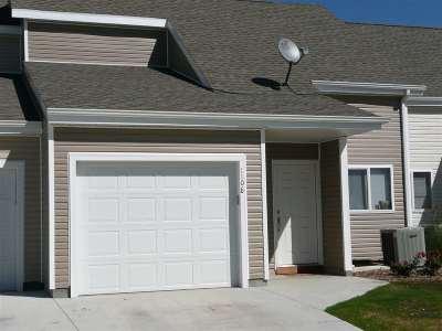Manhattan Single Family Home For Sale: 1108 Newfoundland