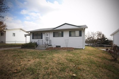 Junction City Single Family Home For Sale: 1509 Bel Air Drive