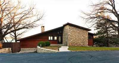 Manhattan KS Single Family Home For Sale: $250,000