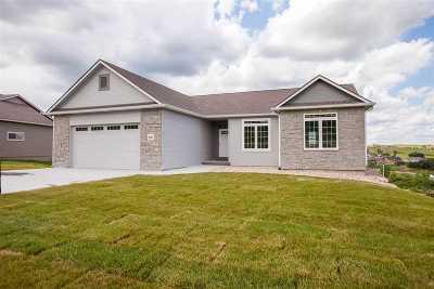 Manhattan Single Family Home For Sale: 2233 Woodridge Drive