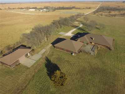 Wabaunsee County Single Family Home For Sale: 27002 Windy Hill Road