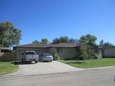 Herington Single Family Home For Sale: 810 N A
