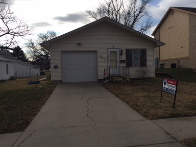 Junction City Single Family Home For Sale: 707 W 8th
