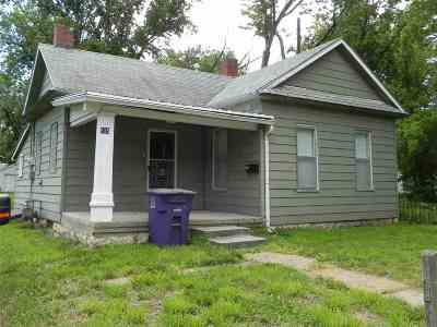 Junction City KS Single Family Home For Sale: $37,800