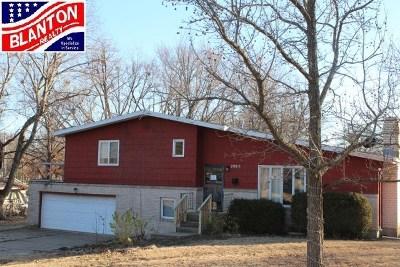 Manhattan Single Family Home For Sale: 2905 Sunnyside Drive