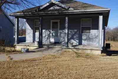 Herington Single Family Home For Sale: 1106 Main Street