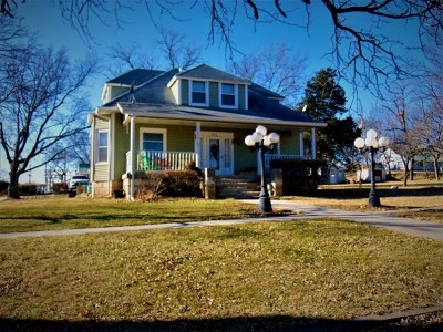 Wakefield Single Family Home For Sale: 201 Elm Street