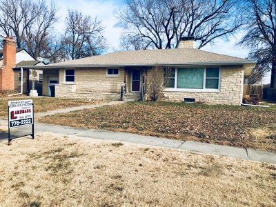 Clay Center Single Family Home For Sale: 2302 6th Street