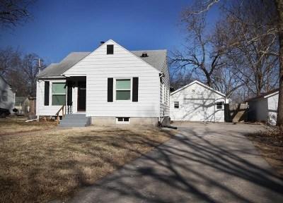Single Family Home For Sale: 420 W Walnut Street