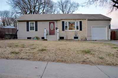 Single Family Home For Sale: 210 W Ash Street