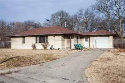 Single Family Home For Sale: 1212 Linda Drive